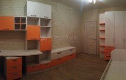 Детская комната в оранжевом цвете