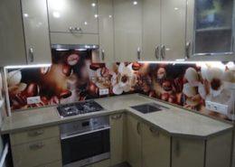 Миниатюрная угловая кухня