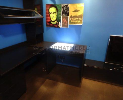 Стол для рисования со стеллажом